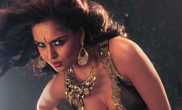 nathalia kaur to show her singing prowess