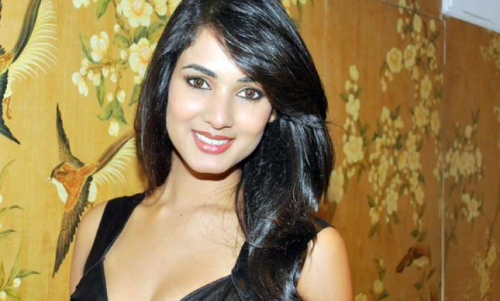 Sonal Chauhan Suhel: No Haunted Mansions, Spirits In '3G': Sonal Chauhan