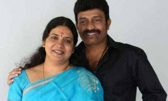 non bailable warrant against actors jeevitha rajasekhar