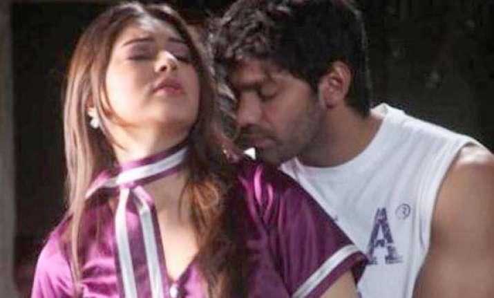 not doing kissing scenes in settai says hansika motwani