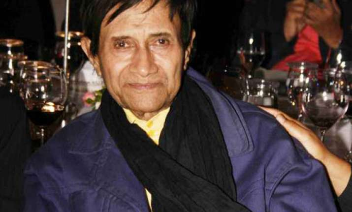 pak film industry mourns dev anand s death