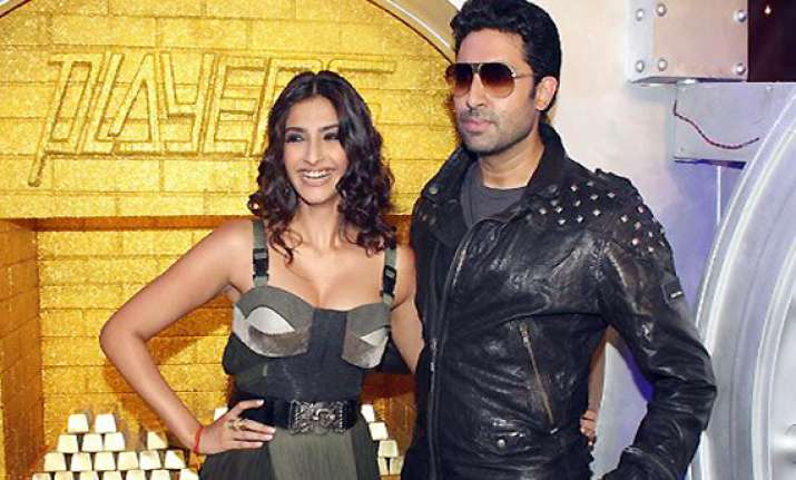 players different from dhoom abhishek bachchan