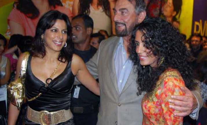pooja bedi asks father kabir bedi to get out of her house