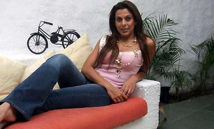 pooja bedi set to host a reality show