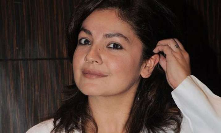 pooja bhatt may produce shagufta rafique s directorial debut