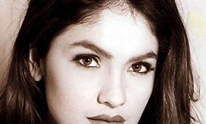 pooja bhatt yet to finalise actress for cabaret