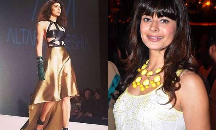 b wood babe pooja batra turns supermodel walks the ramp in