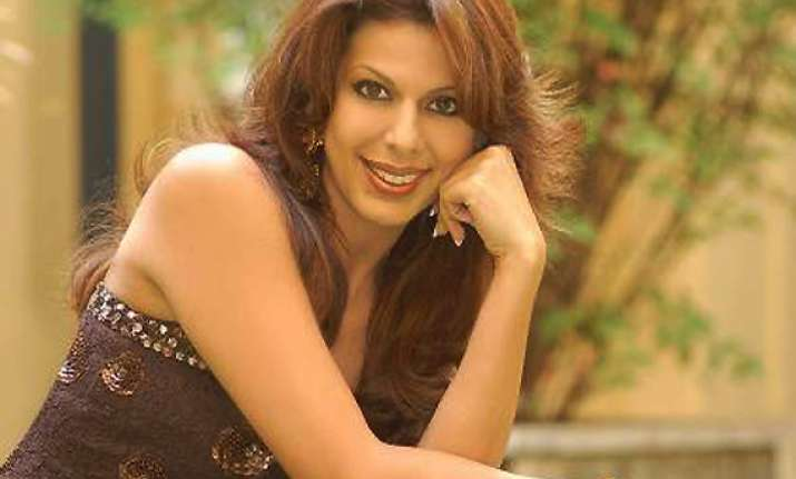 pooja bedi asked not to attend bigg boss finale
