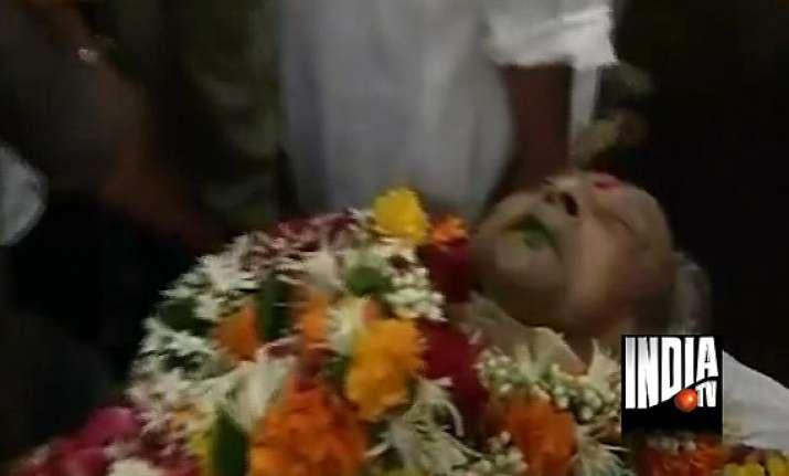 pran s body taken to crematorium
