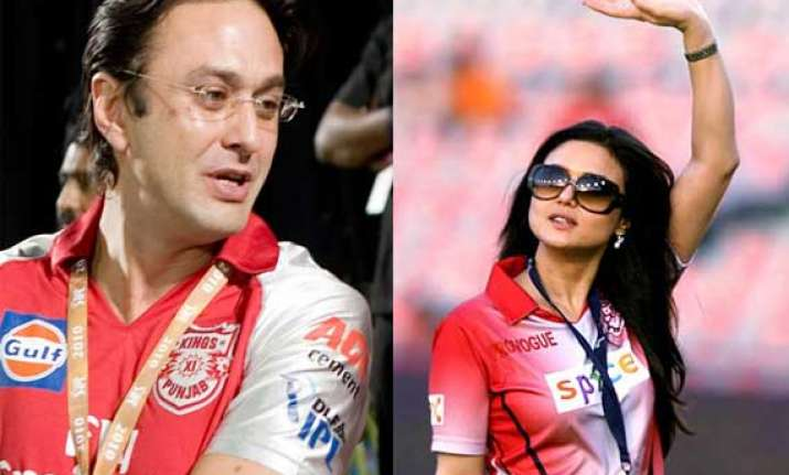 he grabbed my hand and tried to pull me says preity zinta