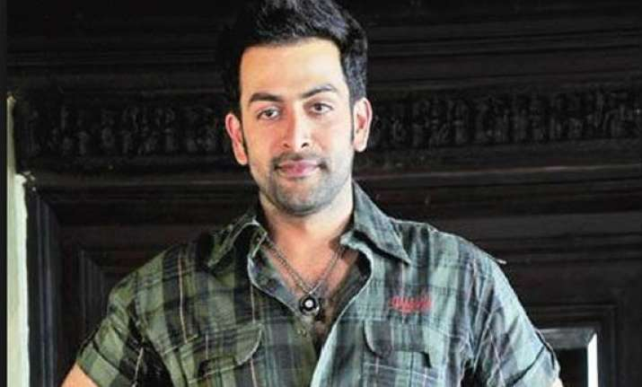 prithviraj gears up for farah khan s happy new year