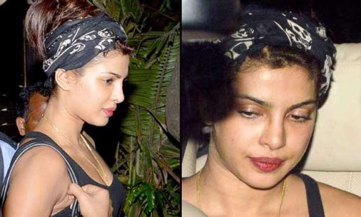 priyanka chopra spotted glum without makeup view pics
