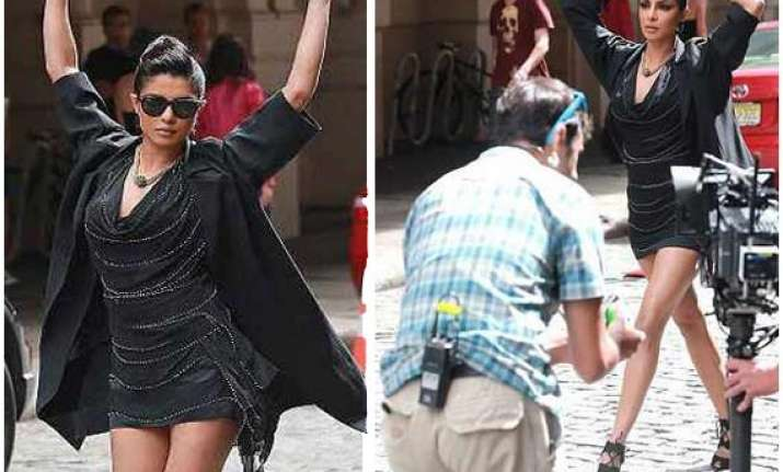 priyanka chopra brings new york traffic to a halt view pics