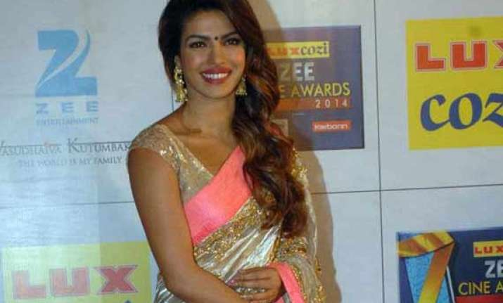 priyanka chopra won t prefer small roles in big hollywood