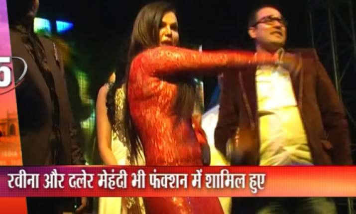 rakhi sawant daler mehndi perform at delhi wedding