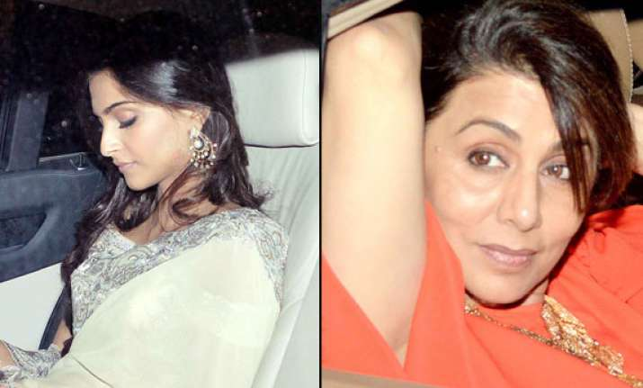 ranbir kapoor s mother neetu singh parties with sonam