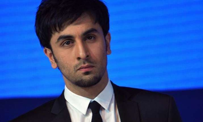 ranbir kapoor undergoes surgery to get cyst removed from