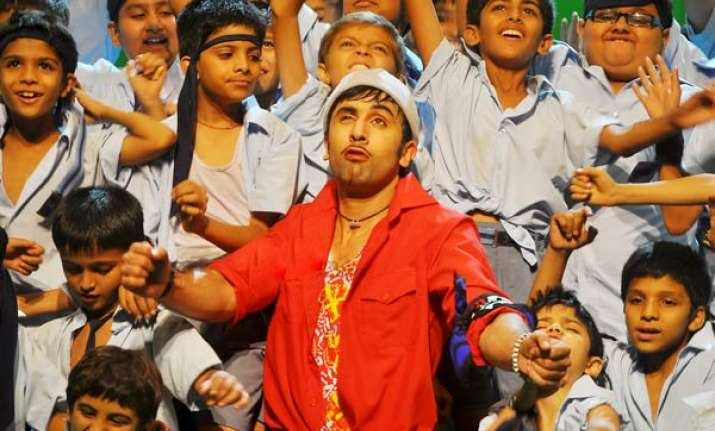 ranbir item removed from first trailer of chillar party