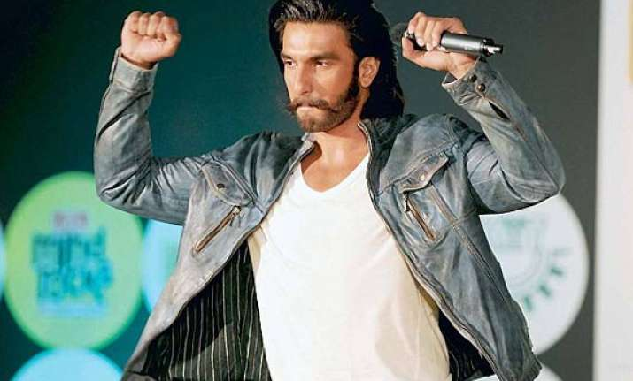 ranveer singh can t stay serious for a long time