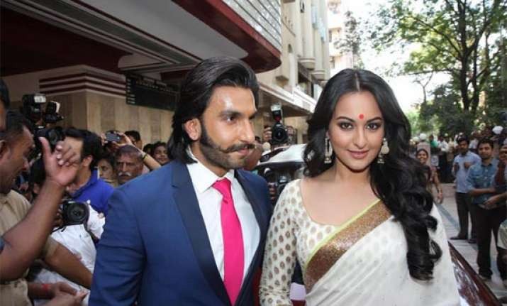 ranveer attends music launch of lootera