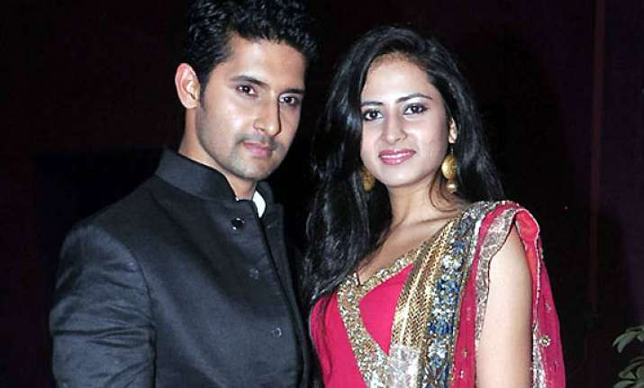 after wife sargun ravi may host boogie woogie