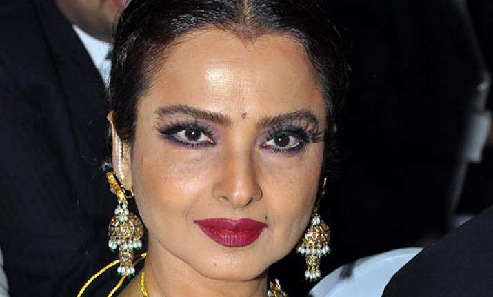 rekha couldn t accommodate dates for poojai director