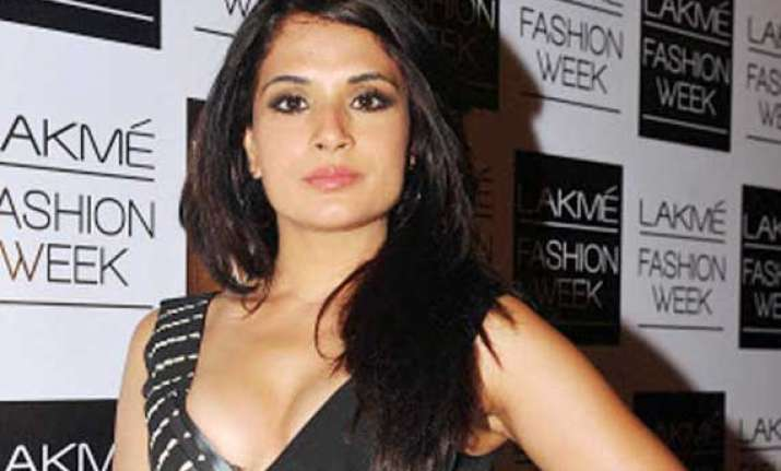 richa chadha to reschedule shoot dates for venice film fest