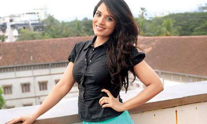 richa chadha wants to shed her serious image wants to dance