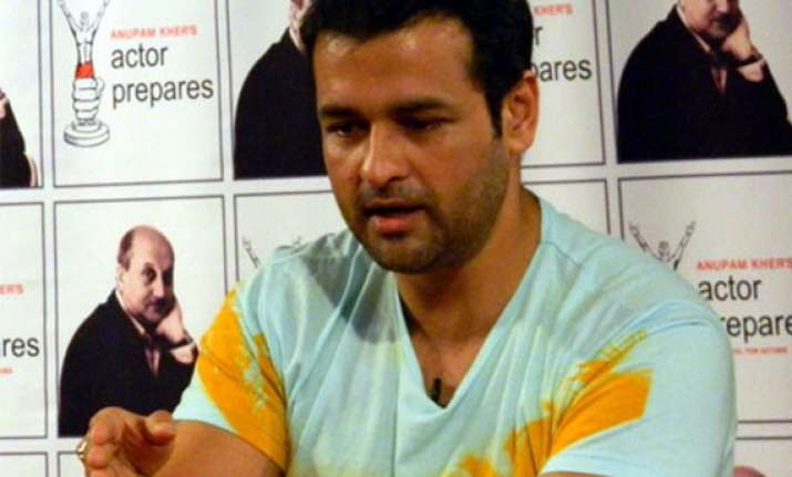 rohit roy believes tv shows to be a thrilling experience in
