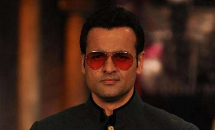 rohit roy urges parents to keep away mobile phones from kids