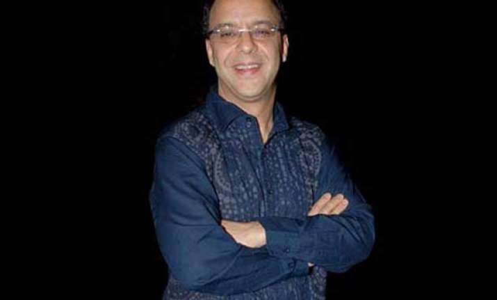rubbish films are earning rs 100 crore says vidhu vinod