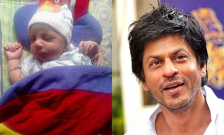 shah rukh khan tweets son abram s pic spends time with kids