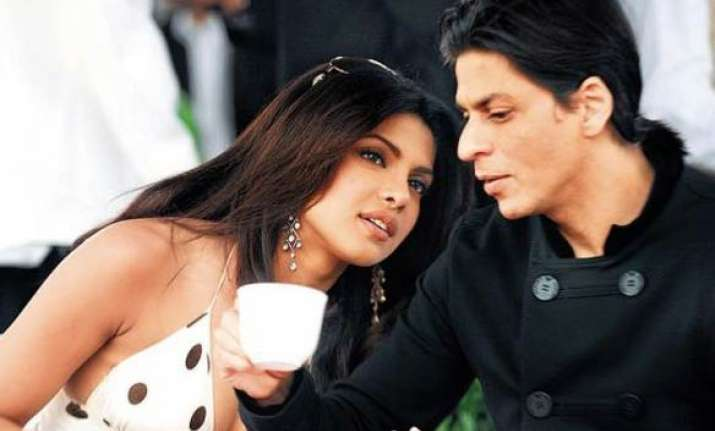 srk rescues priyanka from lech during world cup celebrations