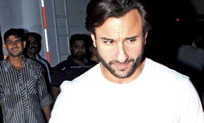 saif ali khan office robbery police arrests two employees