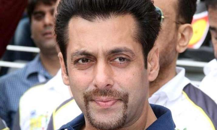 salman khan hit and run case witnesses offered rs 5 lakh to