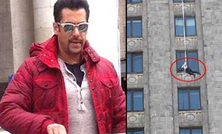 salman khan spotted performing daring stunts for kick view