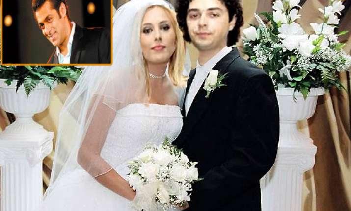 was salman khan s girlfriend lulia vantur already married