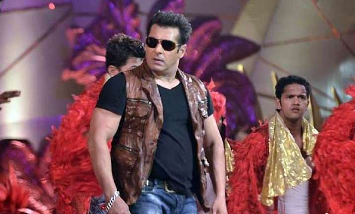 salman gives bulk dates for yash raj film