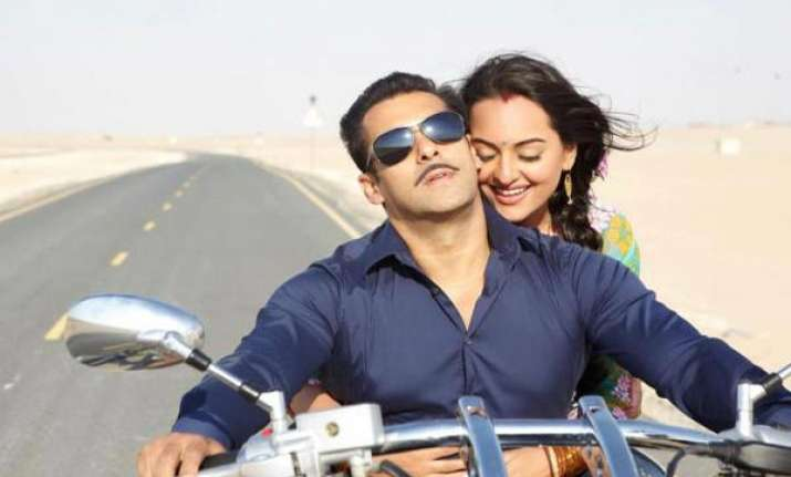 salman criticizes me in positive way sonakshi sinha