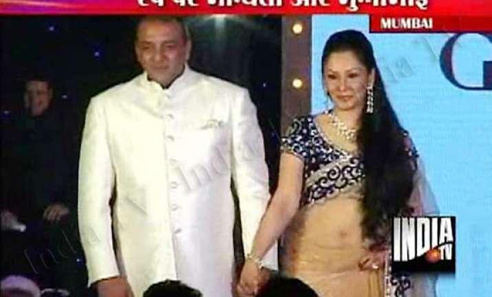 sanjay dutt sings for wife walks the ramp