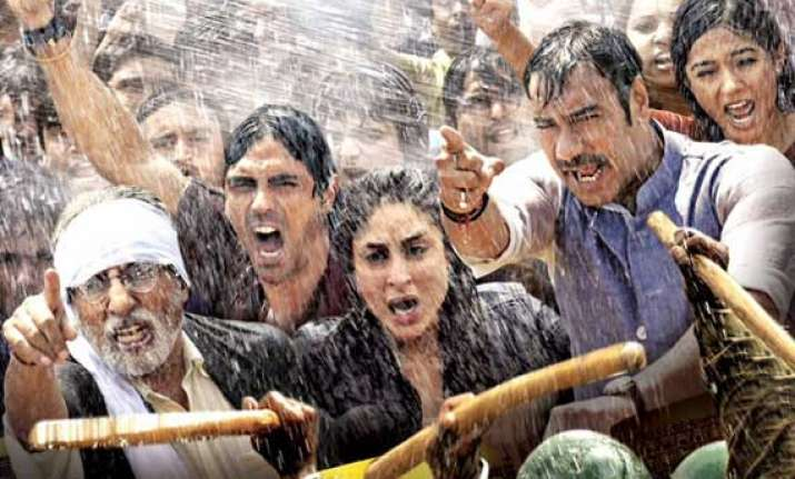 satyagraha movie review amitabh bachchan steals the show