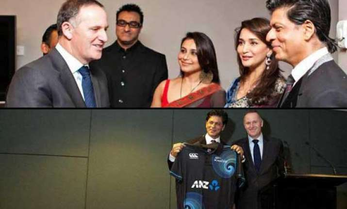 shah rukh khan dines with new zealand pm john key view pics