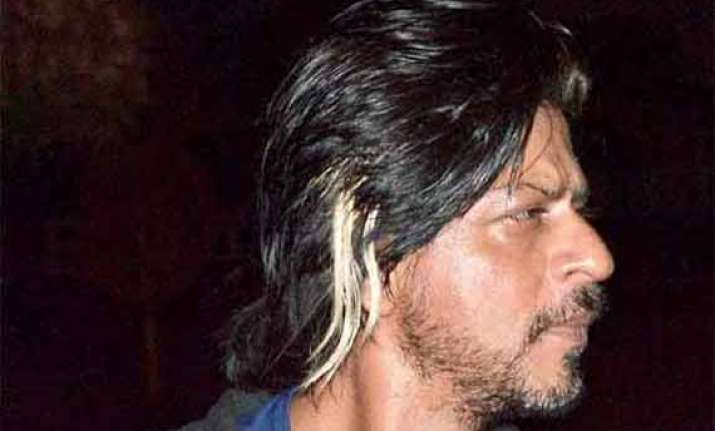 shah rukh khan resumes work even after being injured