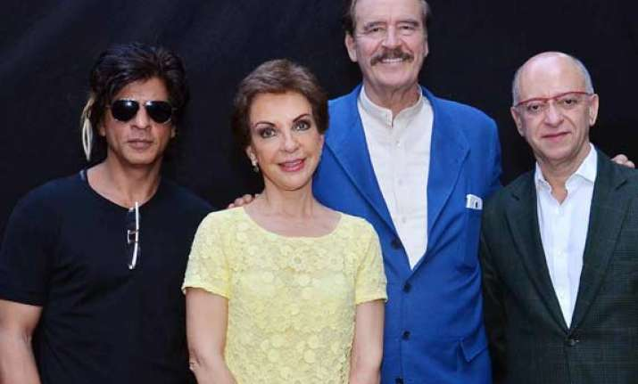 shah rukh khan finds a fan in the former president of