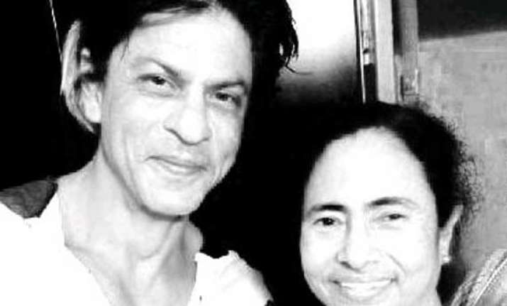 shah rukh and mamata banerjee enjoy fish fry after kkr