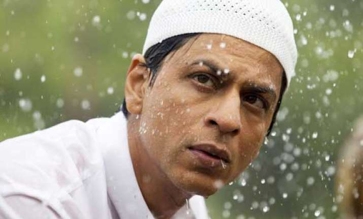 shah rukh explains why us immigration harasses him every