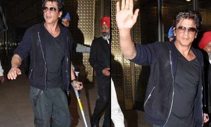 shah rukh leaves gauri khan alone at valentine s day view
