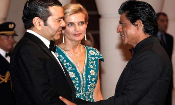 shah rukh khan gets morocco s medal of honour