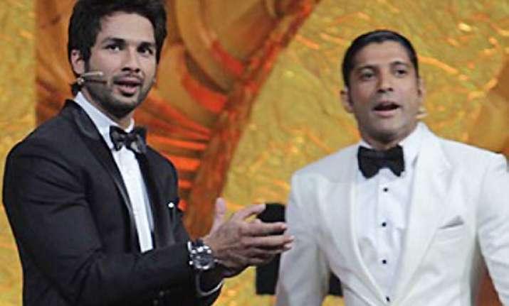 shahid kapoor it was fun hosting iifa with farhan