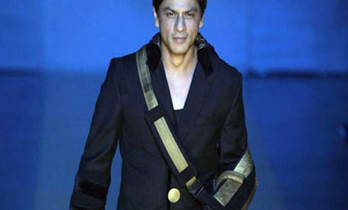 shah rukh khan will be discharged soon says surgeon